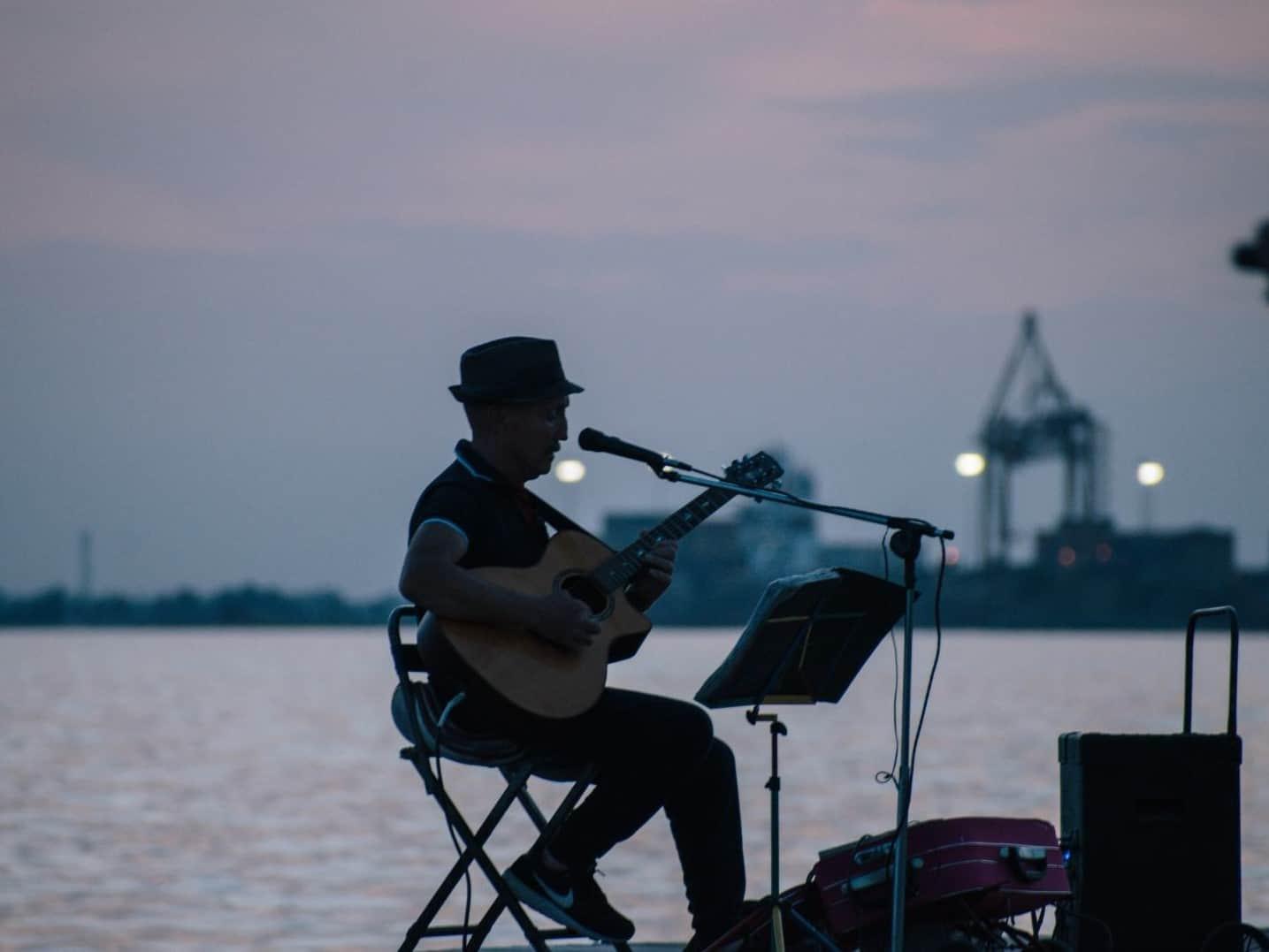 מוסיקאי, ת'סלוניקי