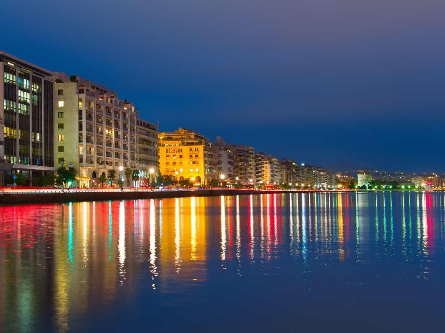 מראה מהנמל אל העיר